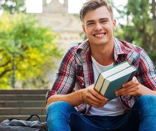 College Programme, Junge, Bank, Bücher, draussen