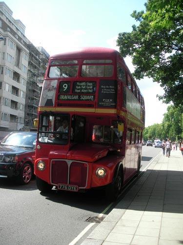 schueleraustausch-england-roter-bus-trafalgar