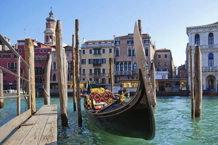 schueleraustausch-italien-venedig-gondel