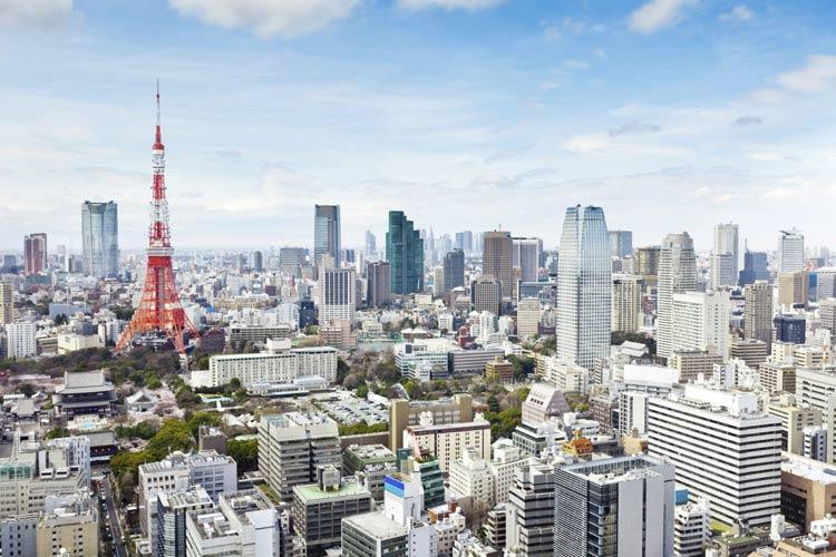 schueleraustausch-japan-tokyo-skyline-roter-tower