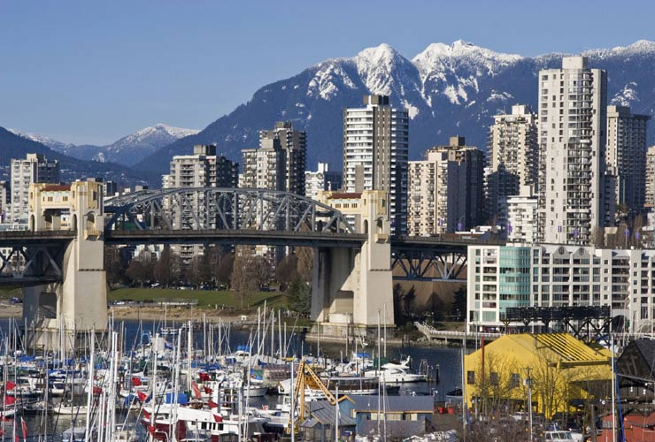 schueleraustausch-kanada-Burrard-Bridge-Vancouver-boote