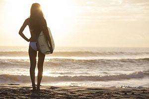 au-pair-australien-surfen-wellen