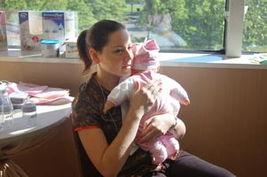 au-pair-usa-babytraining-arm