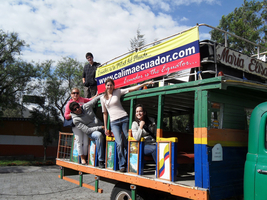 schueleraustausch-ecuador-familie-ausflug-bus