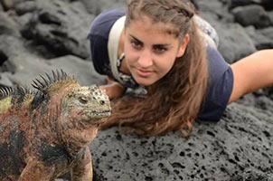 schueleraustausch-ecuador-reptil-maedchen