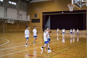 schueleraustausch-japan-schule-basketball-sport