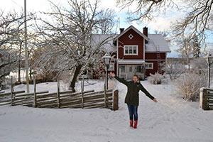 schueleraustausch-schweden-haus-schnee-winter