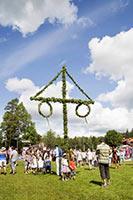 schueleraustausch-schweden-volksfest-tanzen