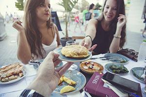 schueleraustausch-spanien-tapas-essen