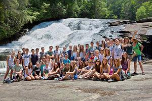 schueleraustausch-usa-ferienprogramm-wasser-gruppe-landschaft