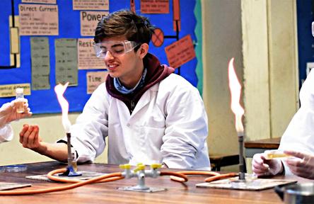 Schüleraustausch, England, Schulwahl, Archbishop's School, Chemie