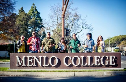 College Stipendium USA, California, Menlo College, Schrift