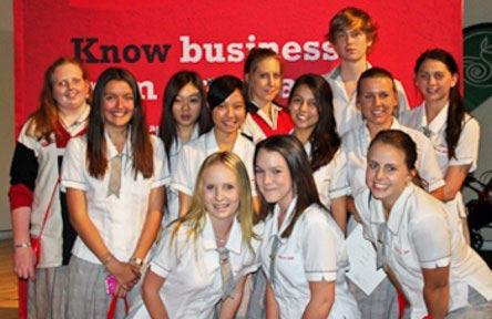 schueleraustausch-australien-schulwahl-benowa-state-high-school-schularbeit
