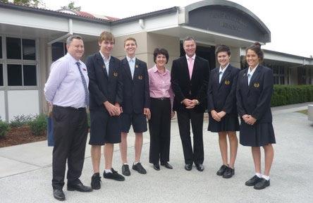 schueleraustausch-australien-schulwahl-palm-beach-currumbin-state-high-school-students