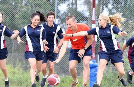 schueleraustausch-australien-schulwahl-robina-state-high-school-maedchen