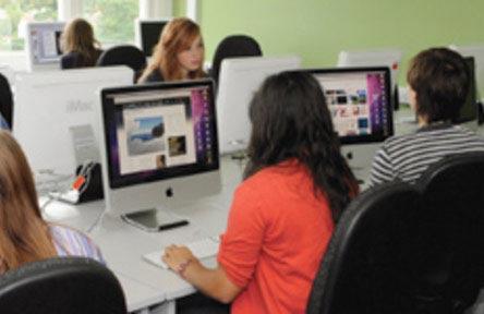 Schüleraustausch England, Schulwahl, Farnham Sixth Form College, Computer