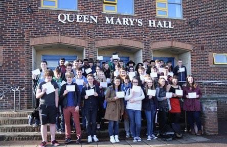 Schüleraustausch England, Schulwahl, Queen Mary's College, Eingang