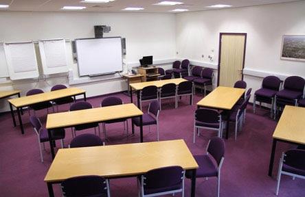 Schüleraustausch England, Schulwahl, Queen Mary's College, Klassenzimmer