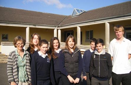 schueleraustausch-irland-schulwahl-st.-pauls-secondary-school-gemeinsam
