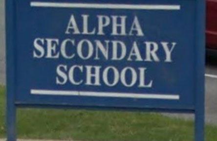 schueleraustausch-kanada-schulwahl-alpha-secondary-school-schild