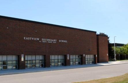 schueleraustausch-kanada-schulwahl-eastview-secondary-school-gebaeude
