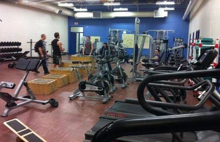 schueleraustausch-kanada-schulwahl-gw-graham-middle-secondary-school-fitness-geräte