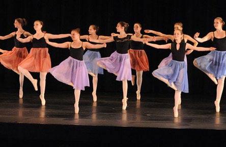 schueleraustausch-kanada-schulwahl-london-south-collegiate-institute-tanz-ballett