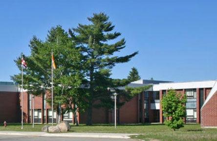 schueleraustausch-kanada-schulwahl-miramichi-valley-high-school-schule-von-aussen