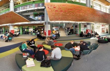 schueleraustausch-neuseeland-college-universal-college-of-learning-schule-von-innen