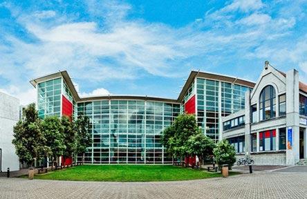 schueleraustausch-neuseeland-college-universal-college-of-learning-eingang