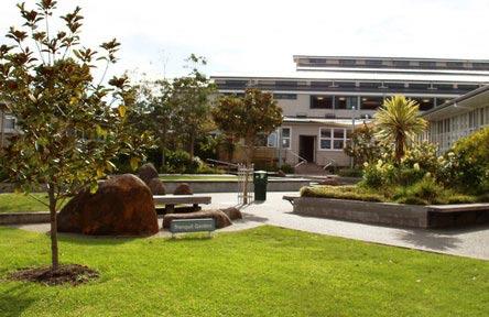 schueleraustausch-neuseeland-schulwahl-rangitoto-college-eingang