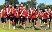 schueleraustausch-australien-schulwahl-benowa-state-high-school-lauf