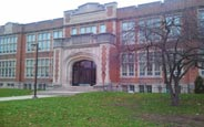 schueleraustausch-kanada-schulwahl-london-central-secondary-school-schule-gebäude