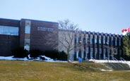 schueleraustausch-kanada-schulwahl-sir-frederick-banting-secondary-school-schule-gebäude
