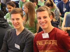 schueleraustausch-vorbereitungstreffen-teilnehmer-jungs-freude